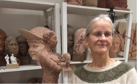 PB Senioren på nytt besök hos skulptören Lena Lervik